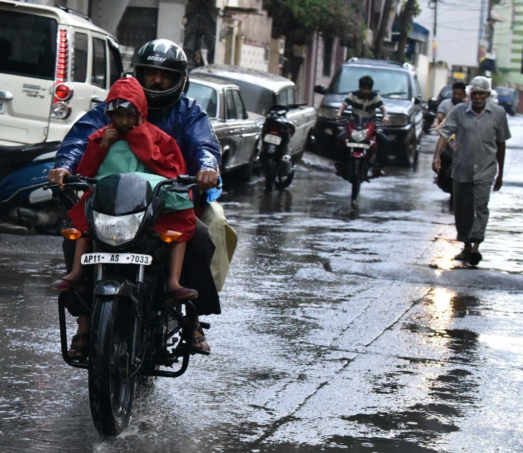 Heavy Rains Lash Hyderabad The City Of Nizam