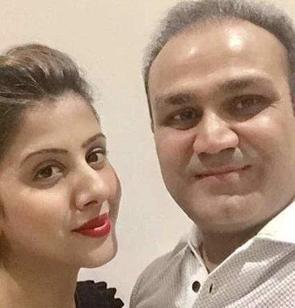 Unique Hindi Solo promises interesting read – Wada Nibhaunga